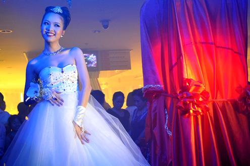 9 Bach Ngoc Xiem Y Wedding Dress 117 000