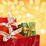 How to Save Money on Holiday Gifts: Great Present Ideas for Your Family and Friends