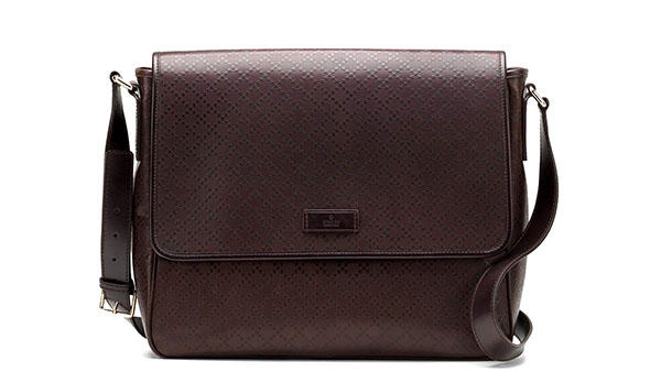 Gucci S Medium Messenger Bag Is A Testament Of The Company Dedication To Produce High End Leather Goods Made Guccissima Chocolate